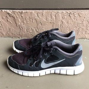 Boys Nike FREE running shoes size 5Y 6.5Y